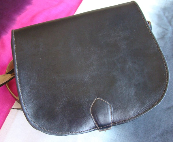 Messenger bag round